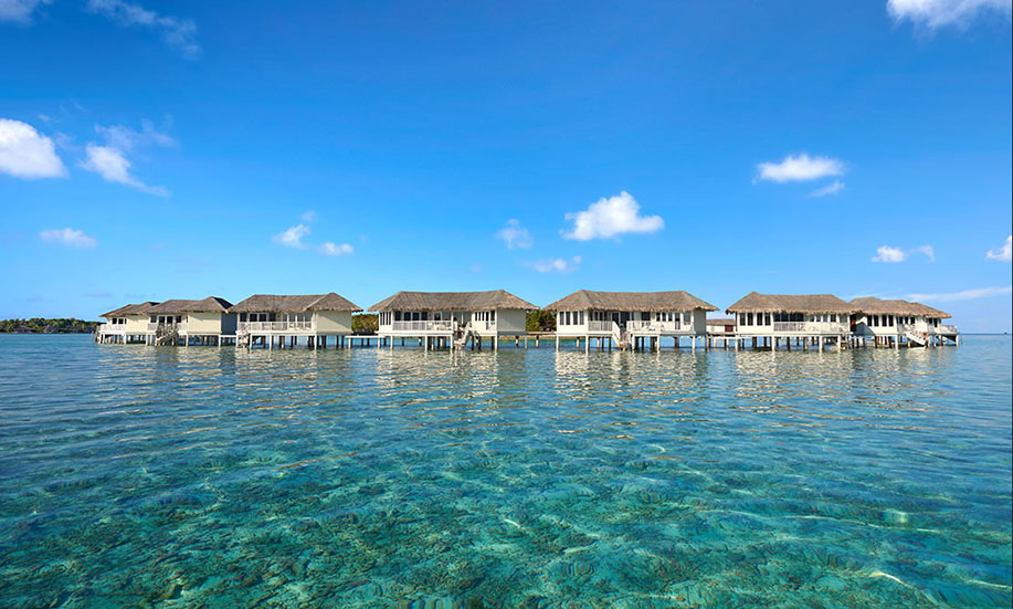Cinnamon Dhonveli Maldives suites over water