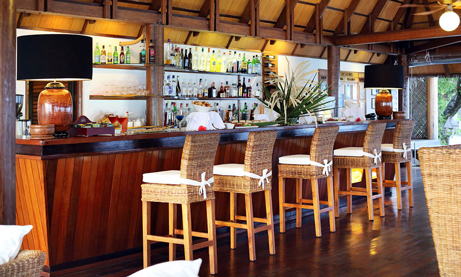 Gangehi Island Resort bar kandu maldives