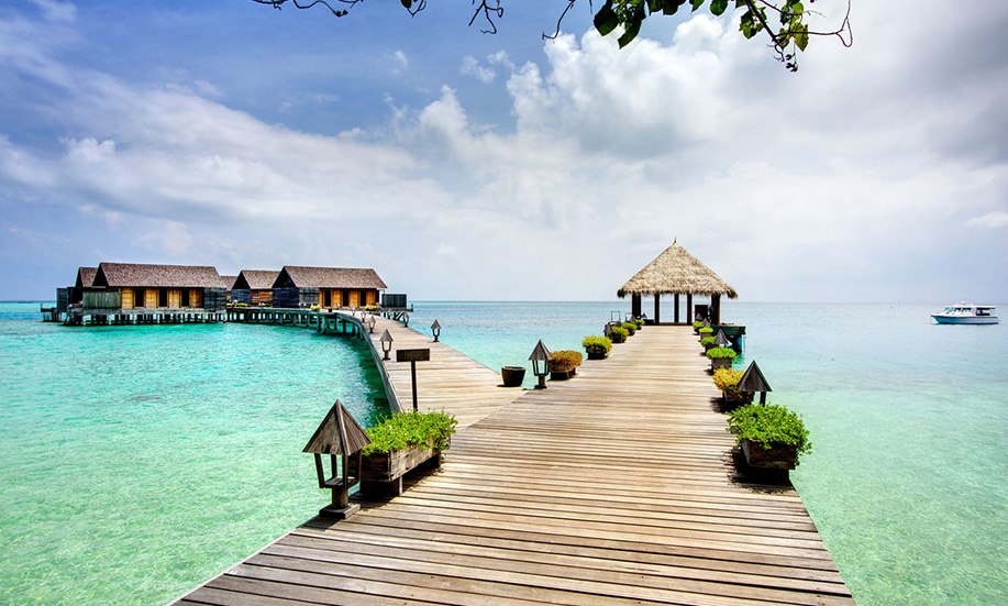 Gangehi Island Resort maldives bungalows