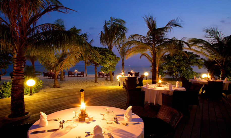 Kuredu Island Resort hotel maldives beach restaurant