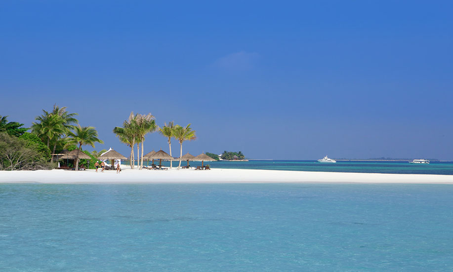Kuredu Island Resort hotel maldives beach