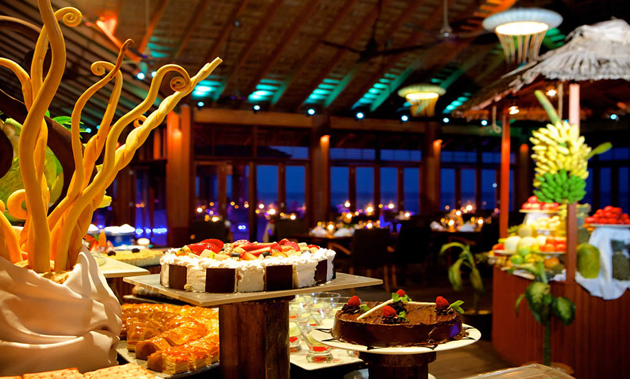 Kuredu Island Resort hotel maldives dinner