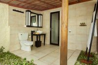 Kuredu Island Resort maldives beach bungalow bathroom