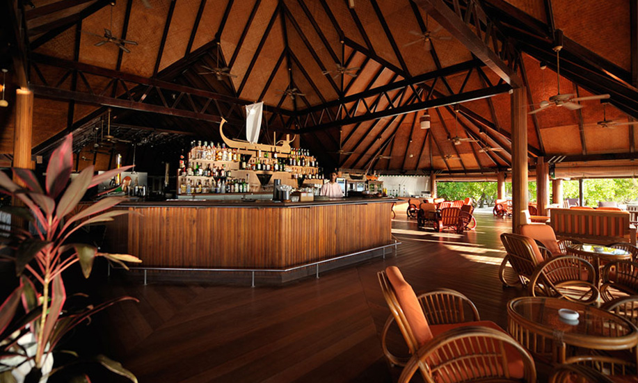 Paradise Island Resort Spa Maldives bar
