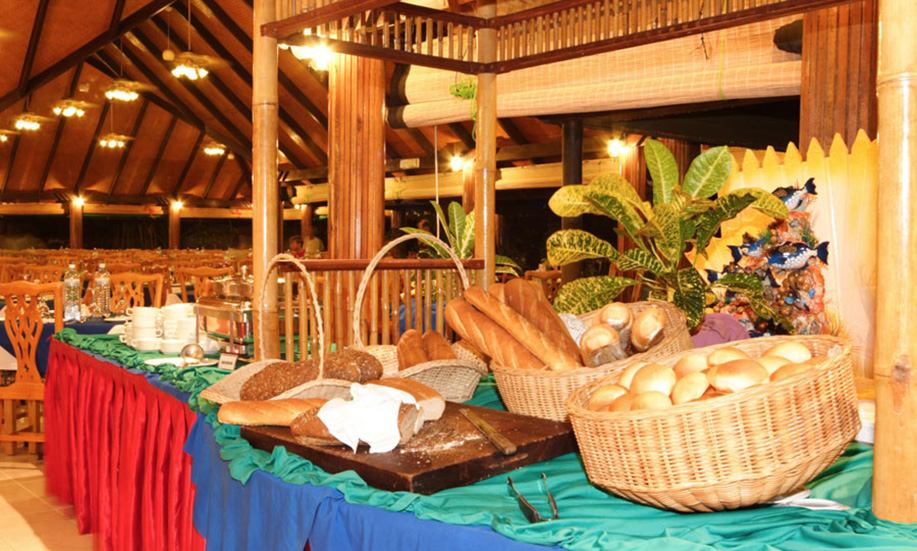 Paradise Island Resort Spa Maldives buffet dinner