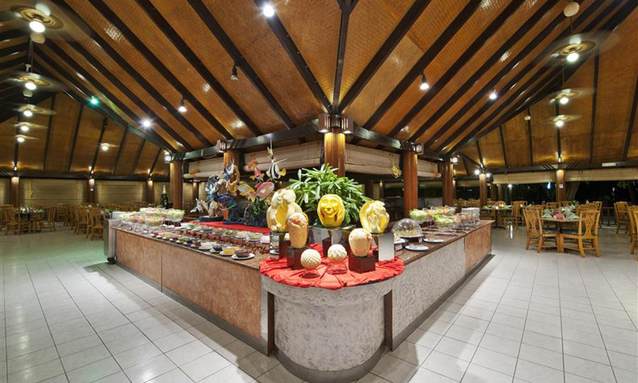 Paradise Island Resort Spa Maldives buffet