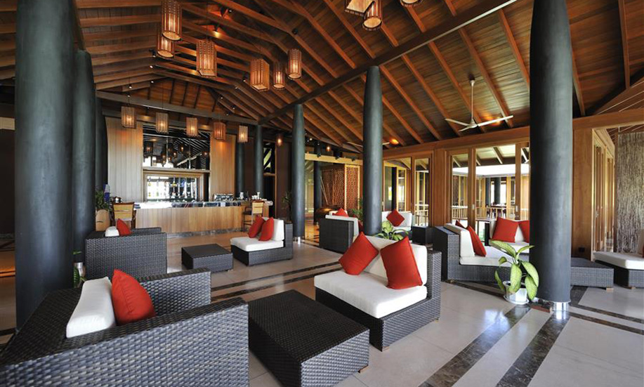 Paradise Island Resort Spa bar