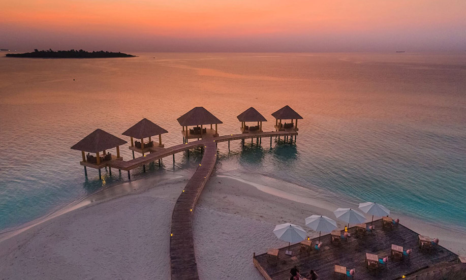 Kudafushi Resort Spa maldives Sunset Grill Restaurant